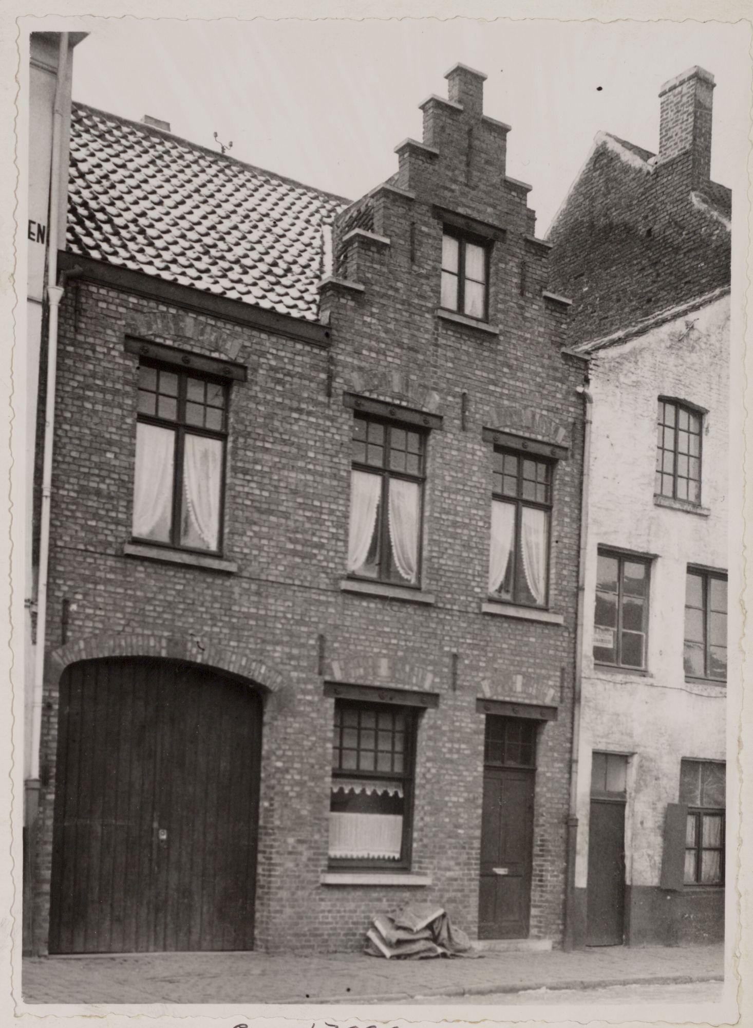 Gent: Trapgevelhuis, Lievekaai 10-11