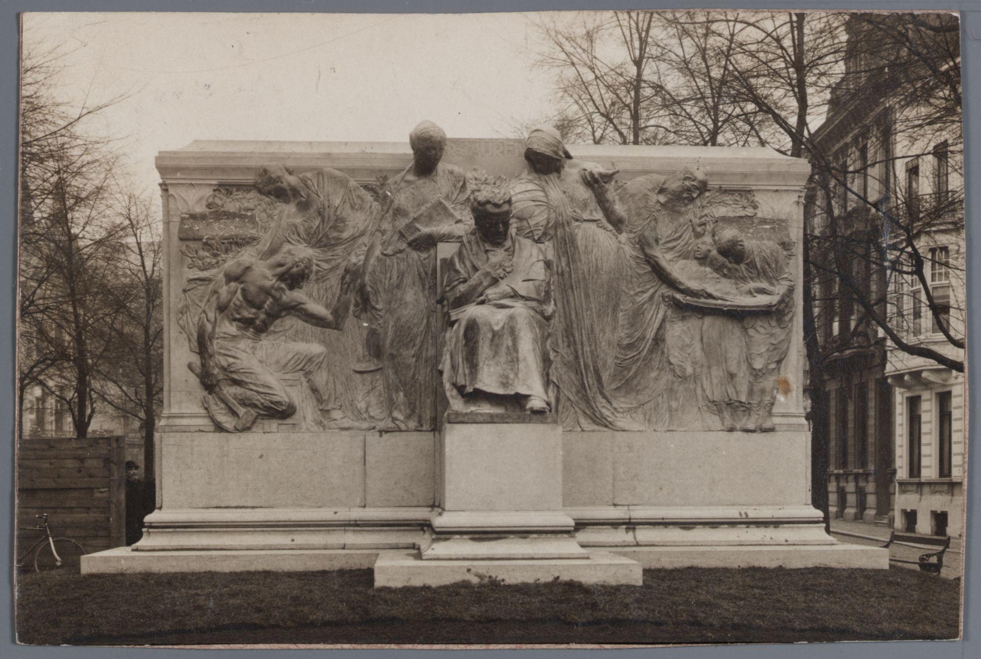 Gent: Monument voor François Laurent