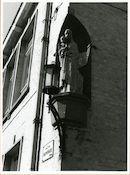 Gent: Dapperheidstraat - Oud-strijderslaan: nis met beeld: Maria met Kind, 1980