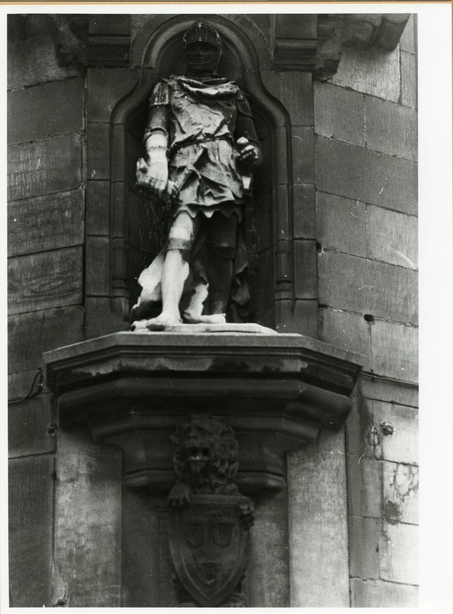 Gent: Belfortstraat 1: nis met beeld: Filips van Artevelde