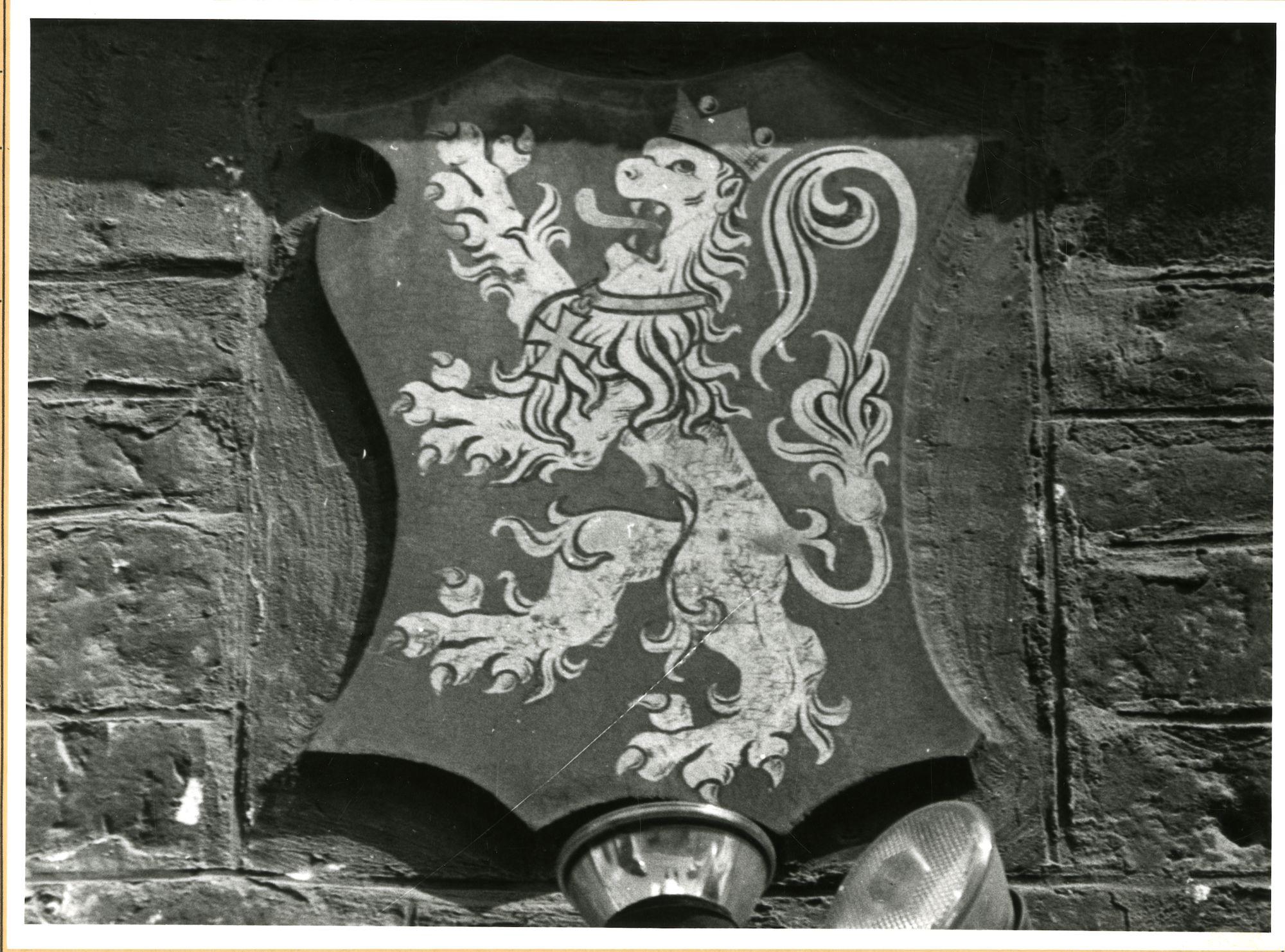 Gent: Botermarkt 4: cartouche: wapenschild van Gent, 1979