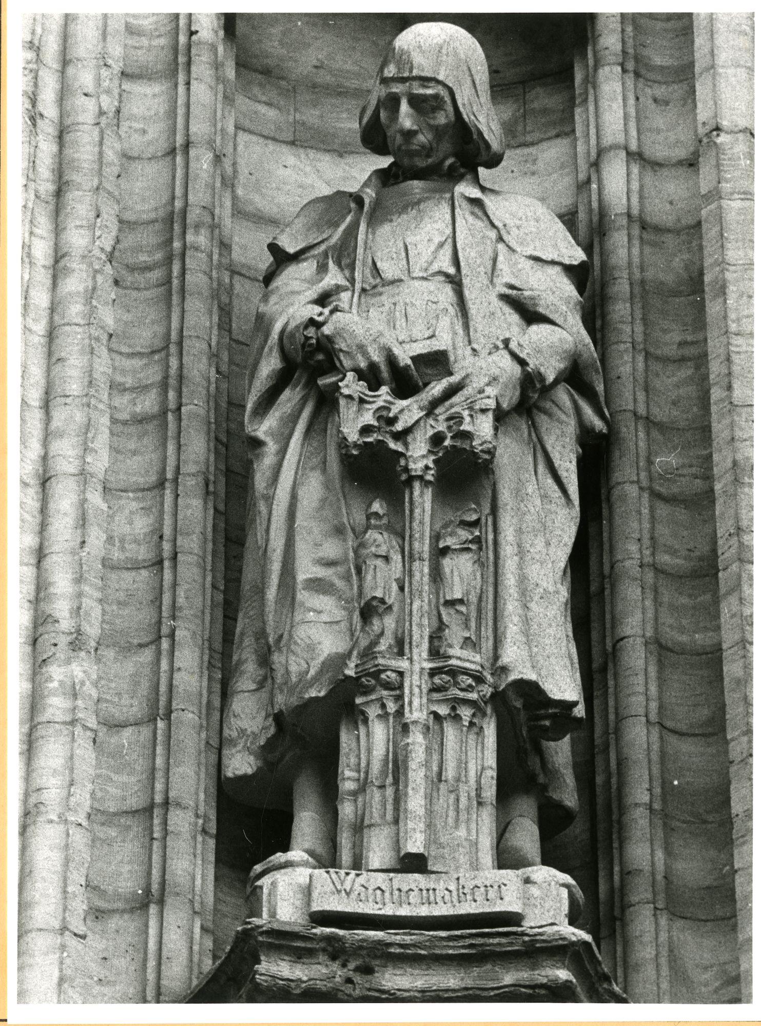 Gent: Botermarkt: stadhuis: nisbeeld: Domien de Waghemakere