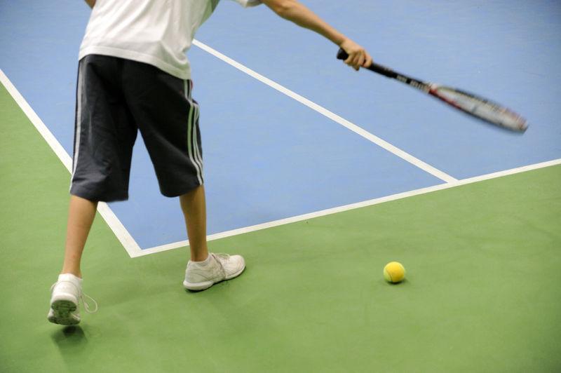 20111108_nieuwe_vloerbekleding_tennishal_Blaarmeersen.JPG
