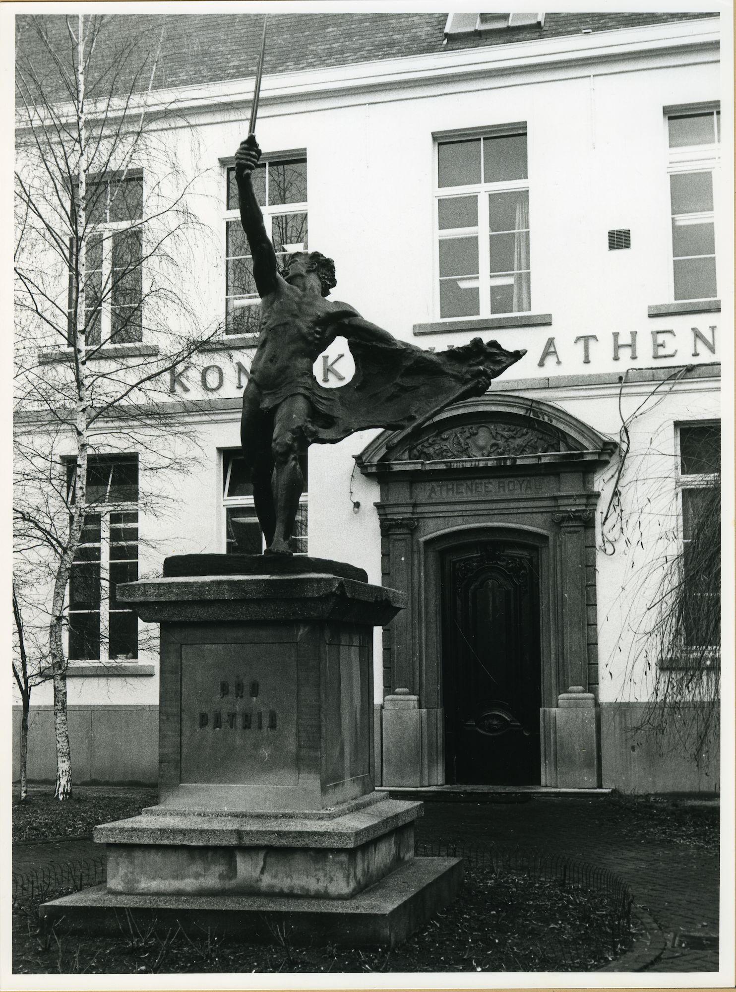 Gent: Ottogracht: Standbeeld