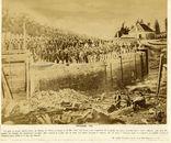 Gent, Tolhuissluis. Een uur voor de explosie door de Militaire Génie om het eeuwen oude metselwerk te vernietigen om een  nieuw kanaal te graven dat Gent via Oostende met de zee zou verbinden 14 mei 1864