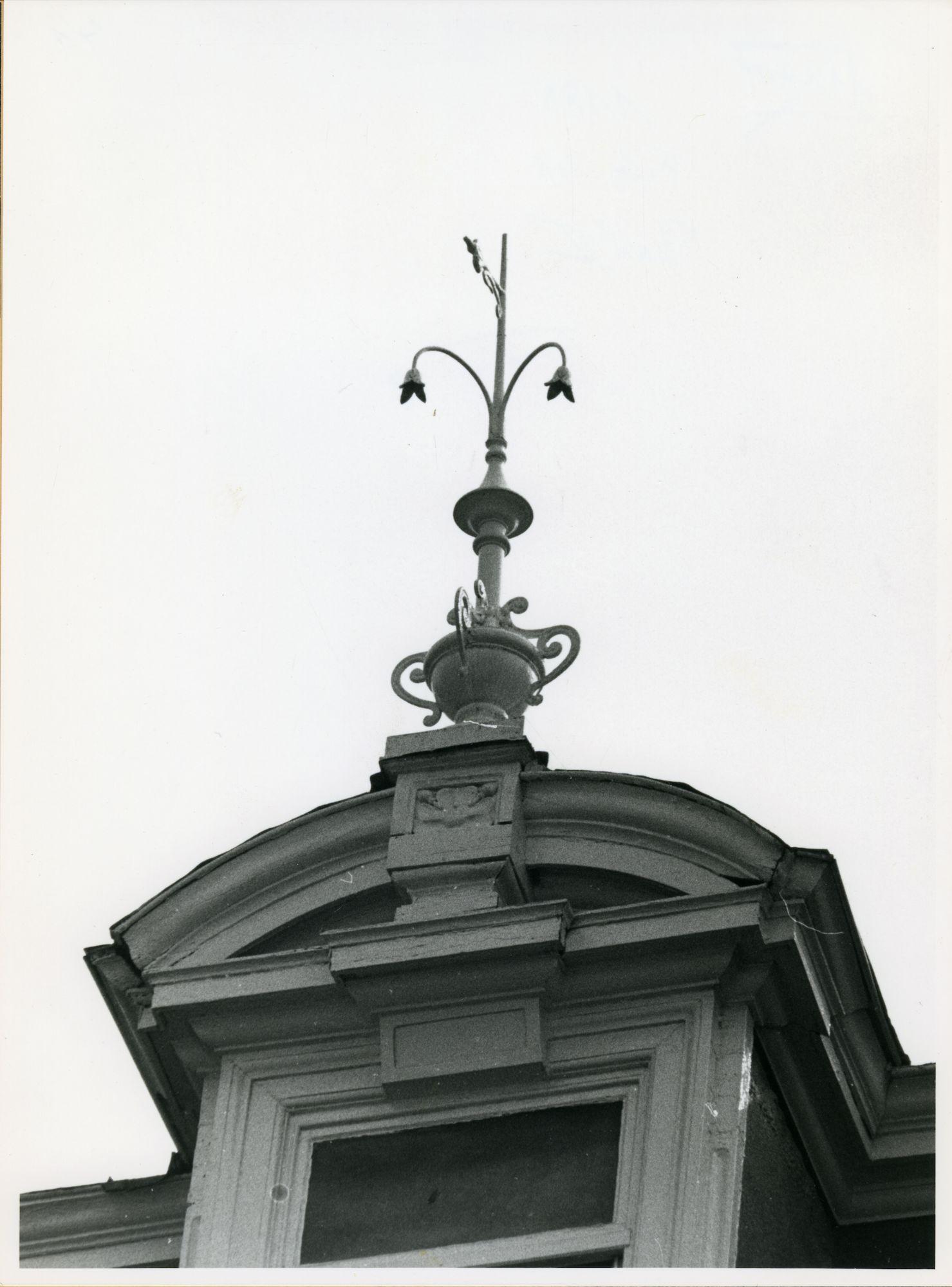 Gent: Vlaanderenstraat 93: Nokversiering, 1979