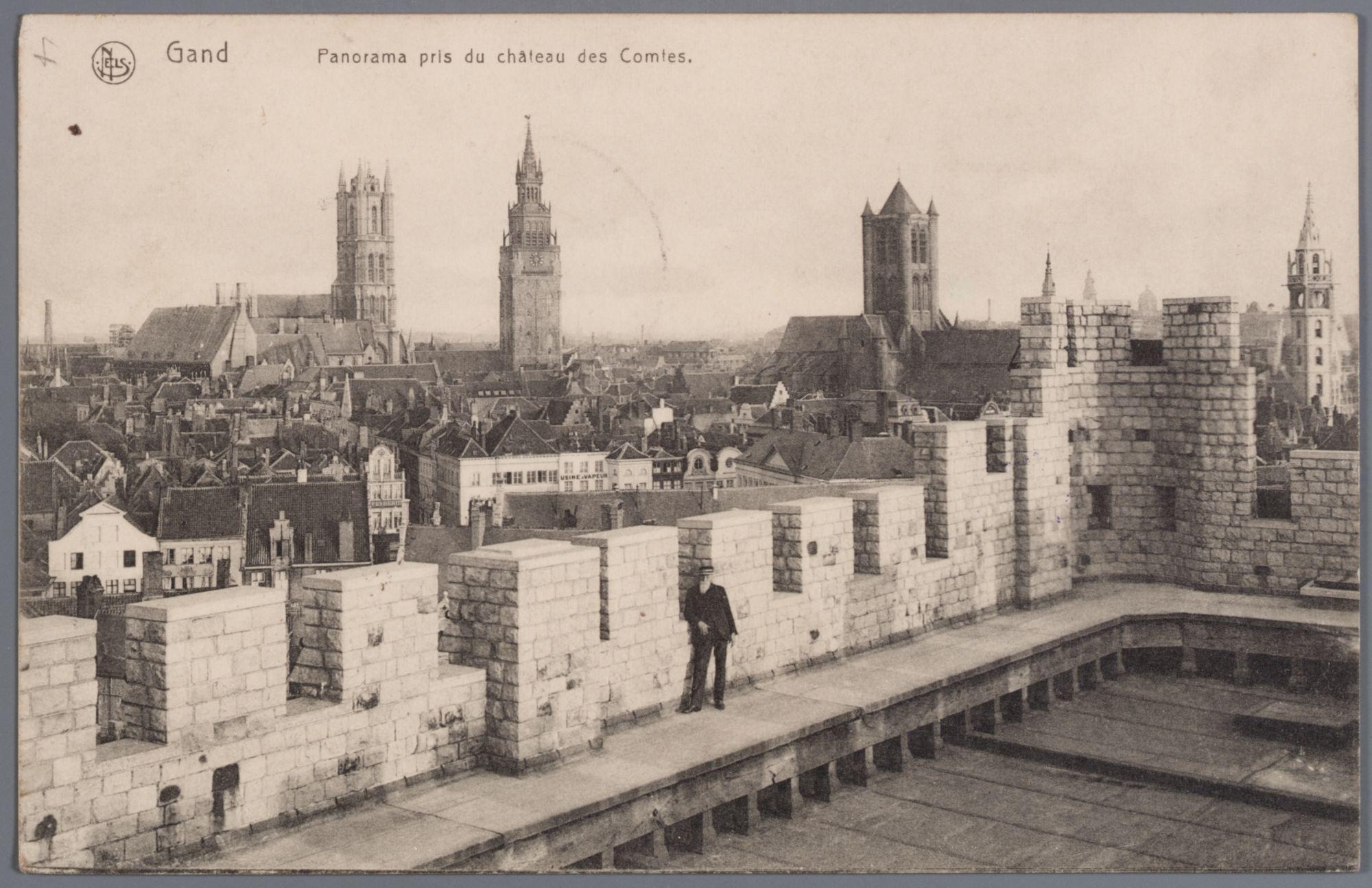 Gent: panoramazicht op het Sint-Veerleplein en de drie torens vanaf het Gravensteen, voor 1913