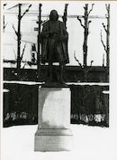 Gent: Bijlokekaai - Godshuizenlaan: standbeeld: Jan Palfijn