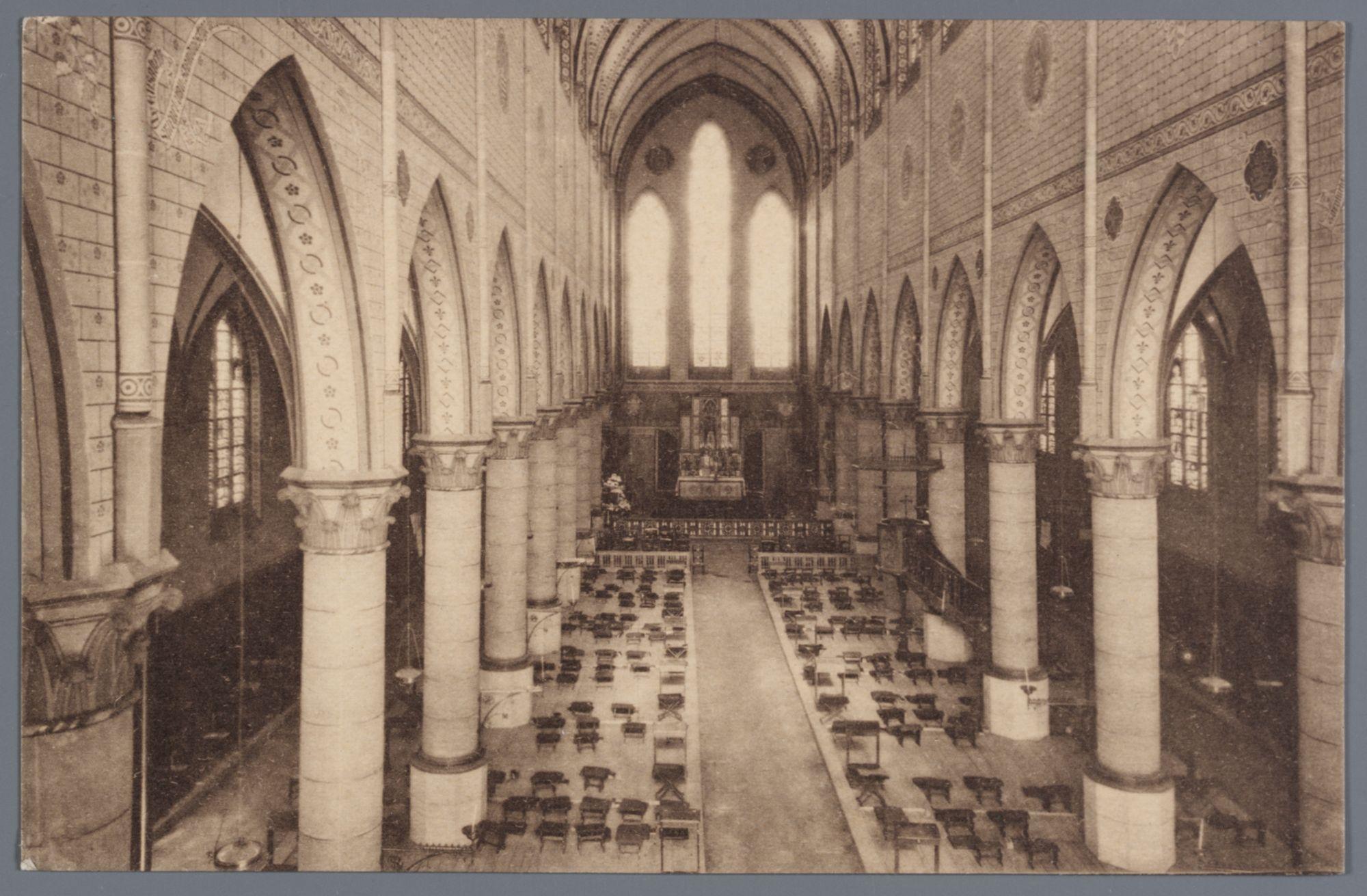 Sint-Amandsberg: Groot Begijnhof: kerk, binnenzicht