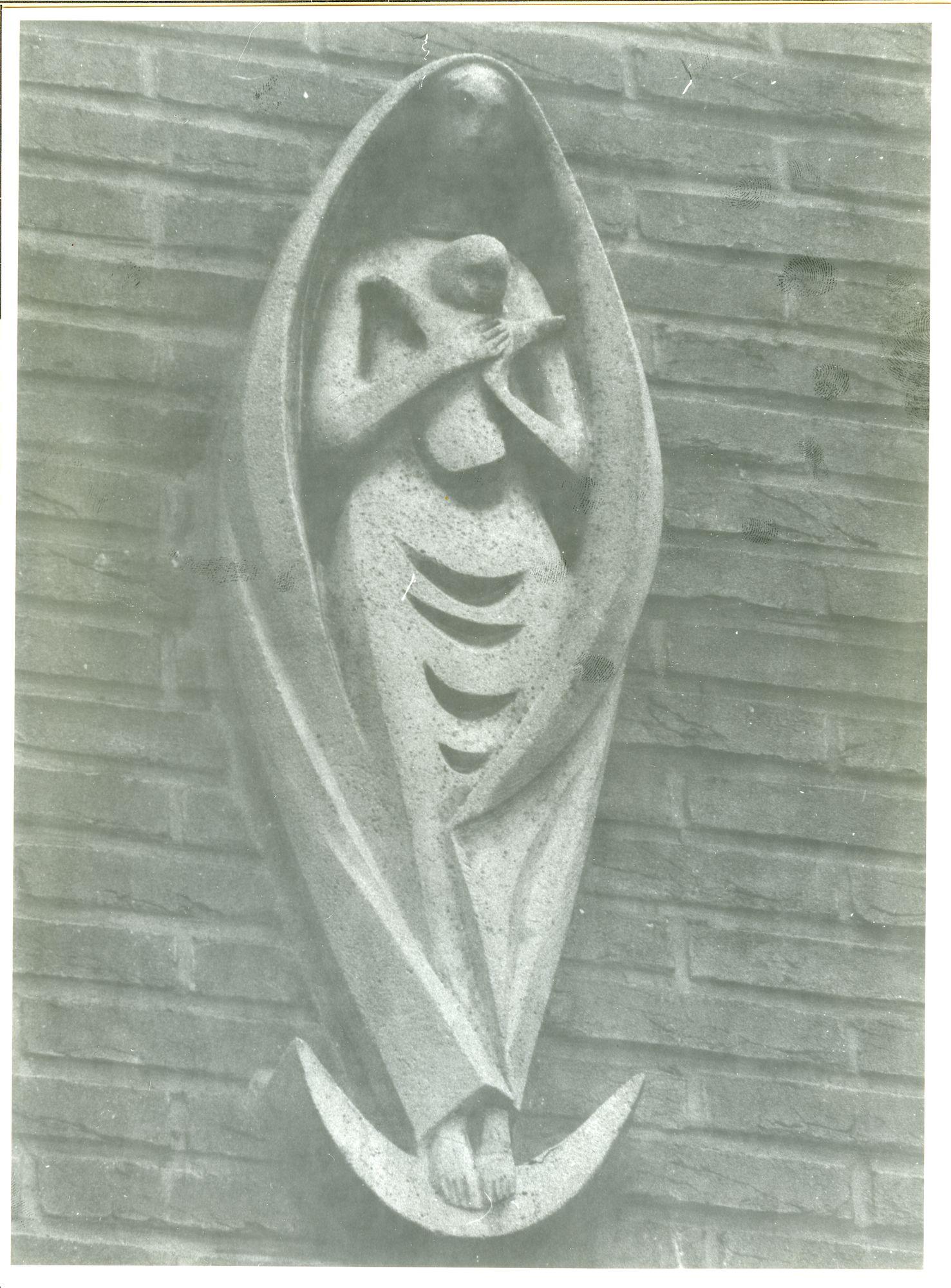 Gentbrugge: Rodebeukendreef 20: Beeldhouwwerk, 1979