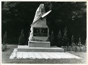 Sint-Denijs-Westrem: Poolse Winglaan: Oorlogsmonument, 1979