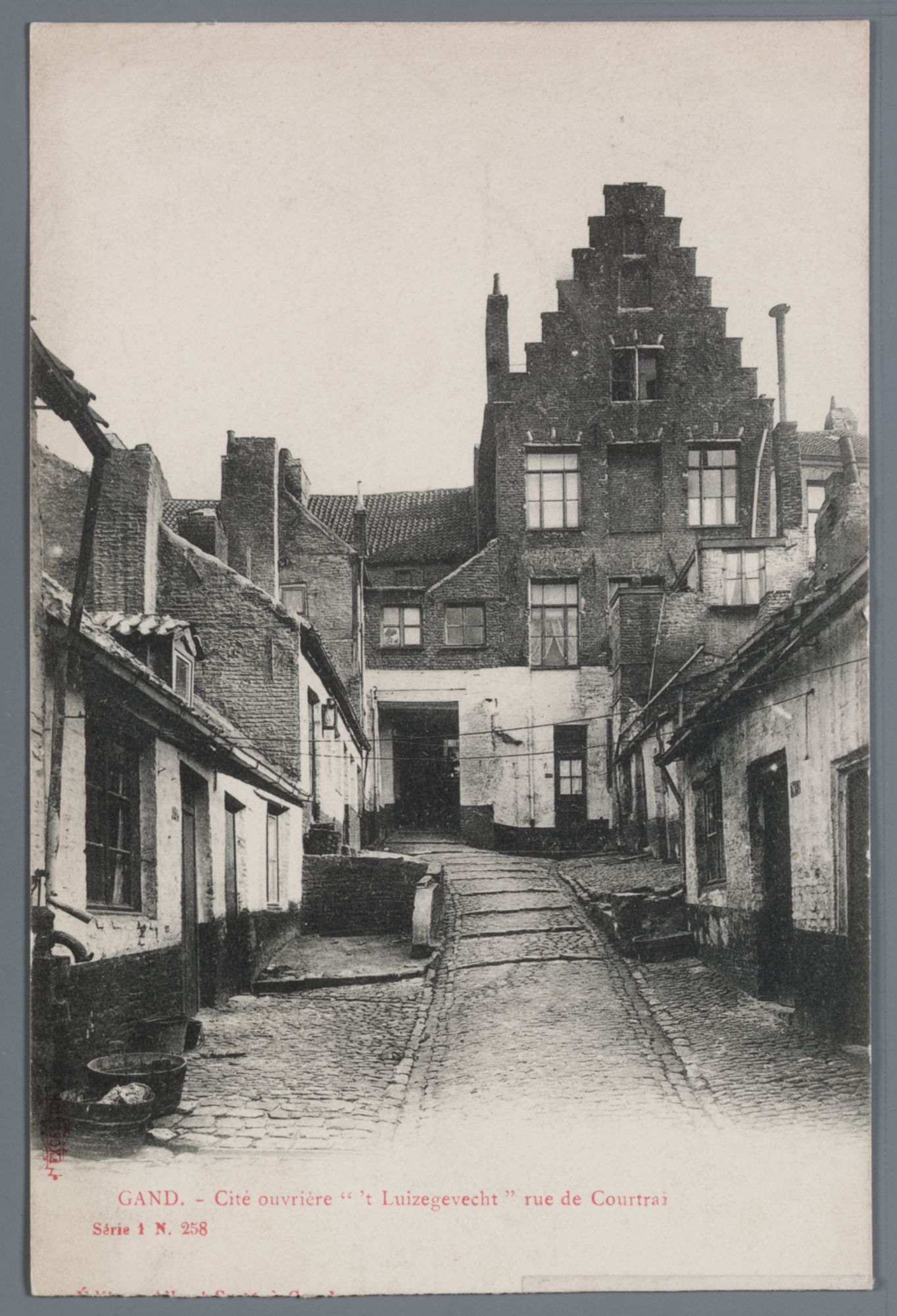 Gent: Kortrijksepoortstraat - Veergrep: beluik 't Luizengevecht