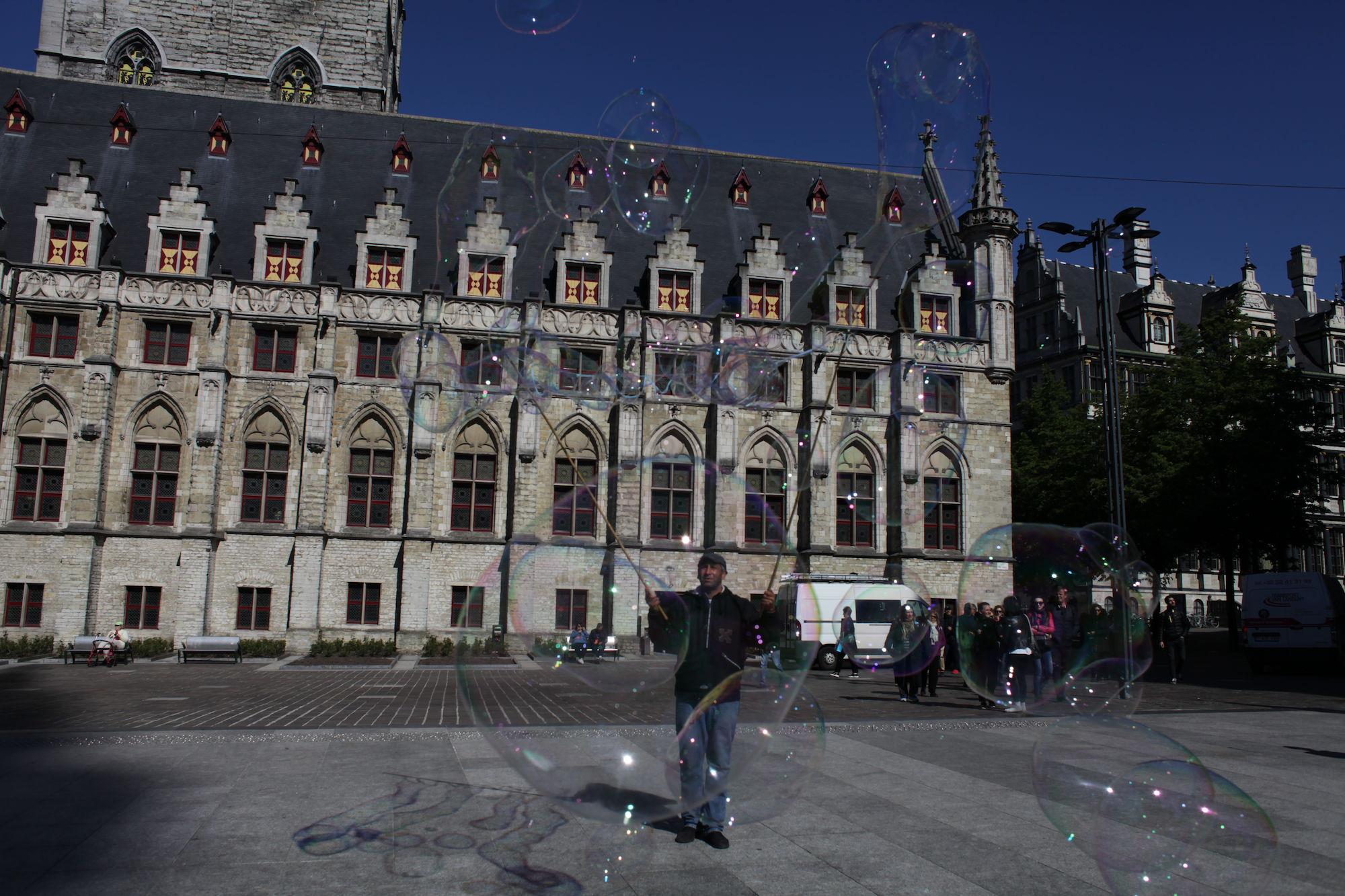 2019-05-14 Stad Gent_St Baafsplein Belfort Zeepbellen_IMG_9802.JPG