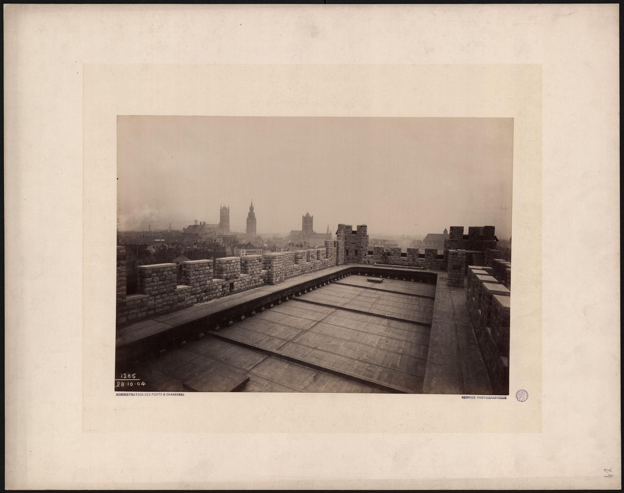 Gent: Gravensteen, panorama 3 torens vanaf plat dak poortgebouw
