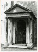 Gent: Begijnhofdries: Ecce Homo kapel en oorlogsmonument, buitenaanzicht, 1980