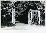 Mariakerke: Groenestaakstraat 33-35: Hek, 1979