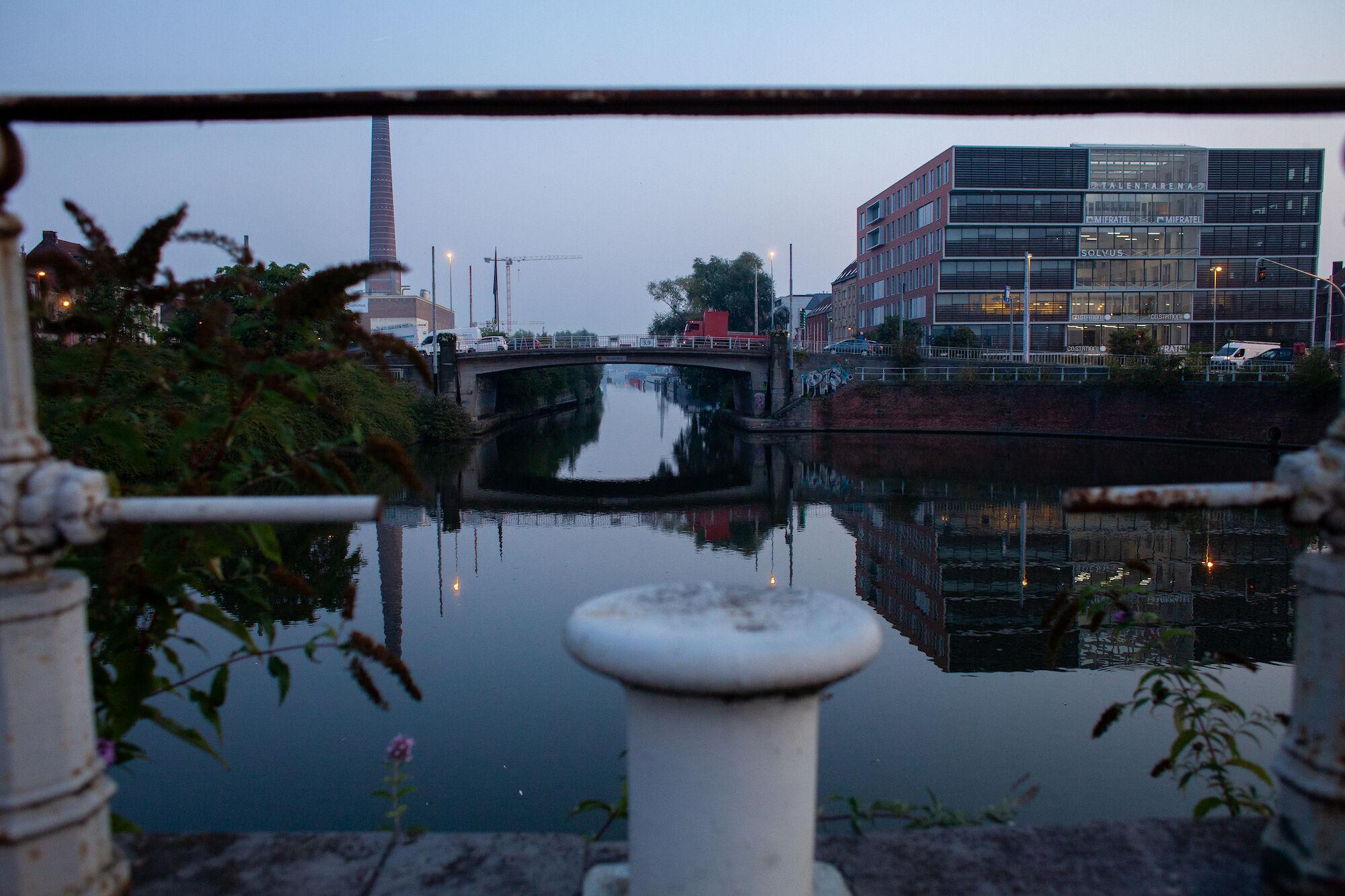 2019-08-27 Wijk Dampoort_ochtend_draaikom_verkeer-IMG_0914.jpg