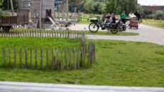 20210817_Oude Dokken_Houtdok_Openbaar Domein_Zitbanken_groen_wandelaars_fietsers_0033.jpg