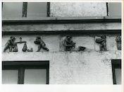 Gent: Sleepstraat 145-155: Gevelstenen, 1979