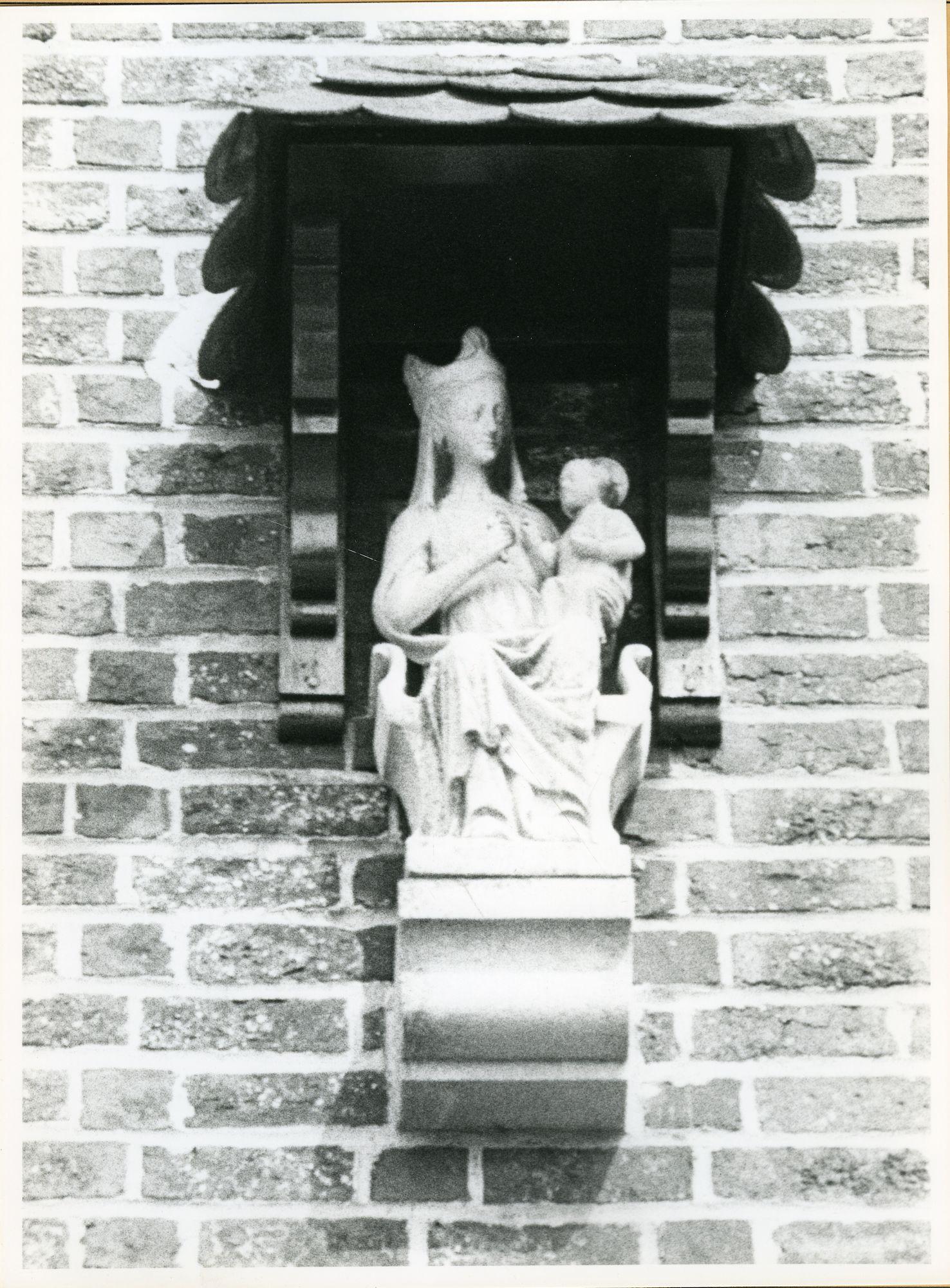 Oostakker: Antwerpsesteenweg 42: Gevelbeeld, 1979