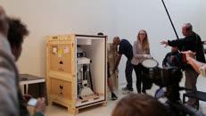 Unboxing R2D2 Hello Robot.mp4