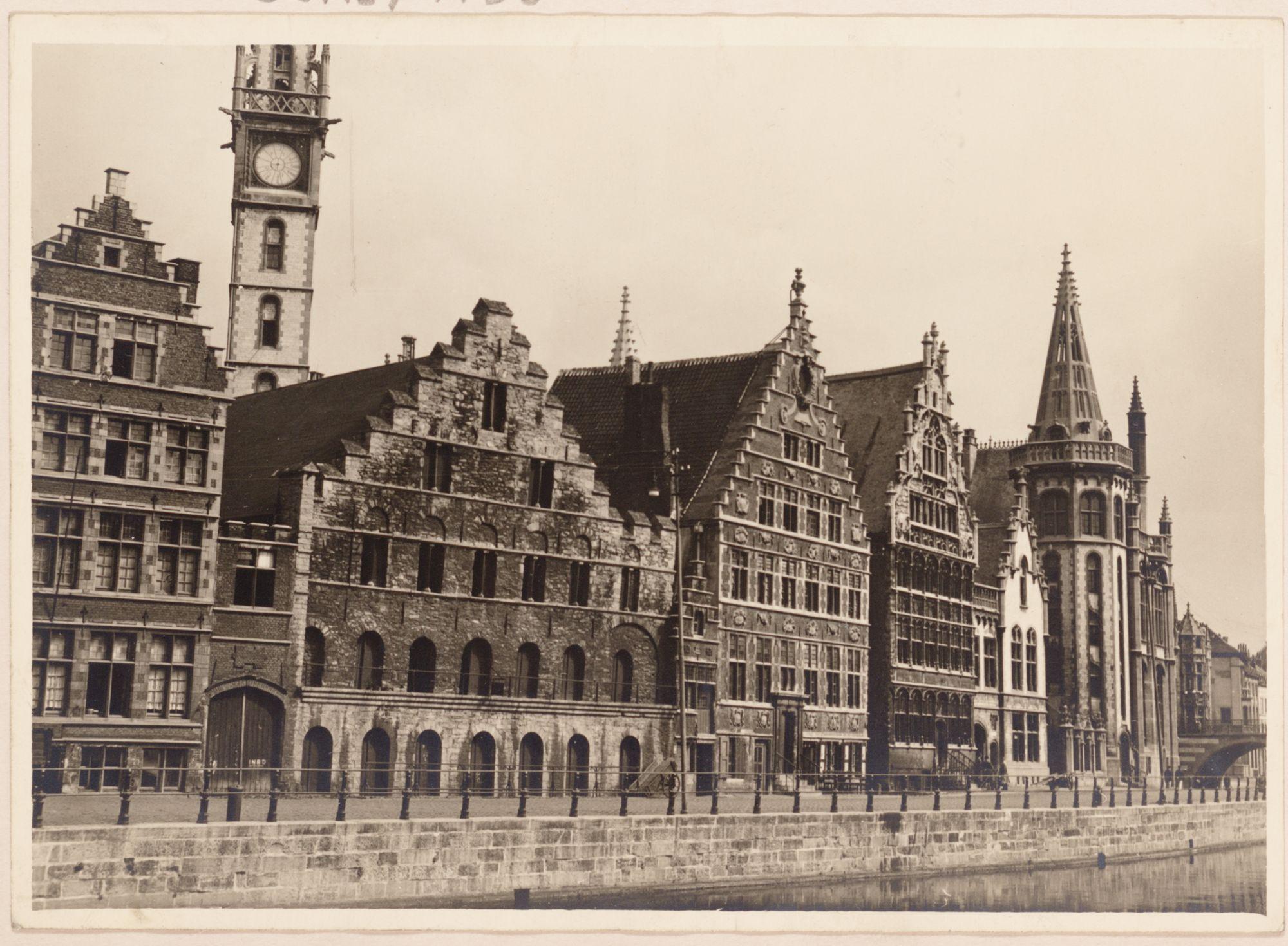 Gent: Korenstapelhuis, Korenmetershuis en Huis Vrije Schippers, Graslei