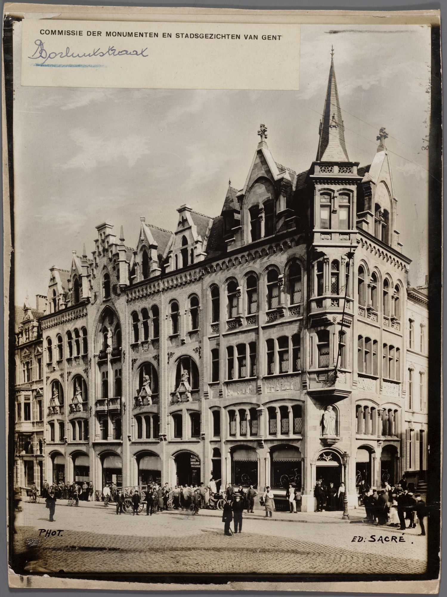 Gent: Borluutstraat (nu Belfortstraat), hoek Hoogpoort