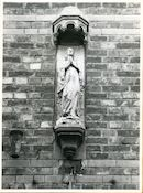 Sint-Amandsberg: Adolf Baeyensstraat 112: Gevelbeeld, 1979