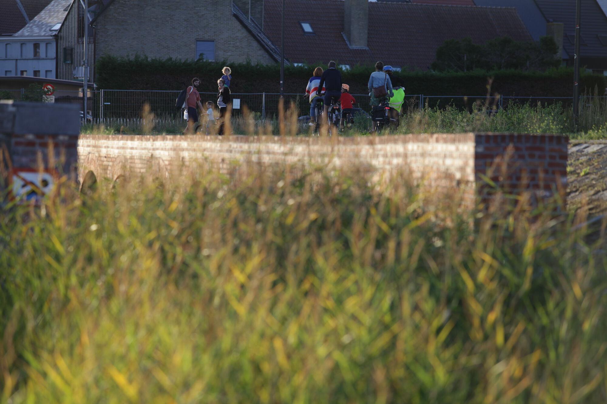 Wijk 10 Oude Dokken Houtdok Kapitein Zeppospark wandelaars Fietsters