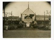 Gent: Sint-Pietersplein en Sint-Amandplein: militaire parade voor de verjaardag van de Duitse keizer Wilhelm II, 27 januari 1916