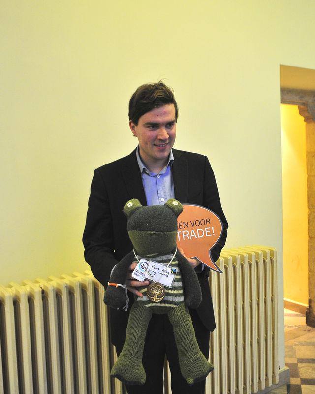 Gentse gemeenteraadsleden gaan op de foto voor Fairtrade 11