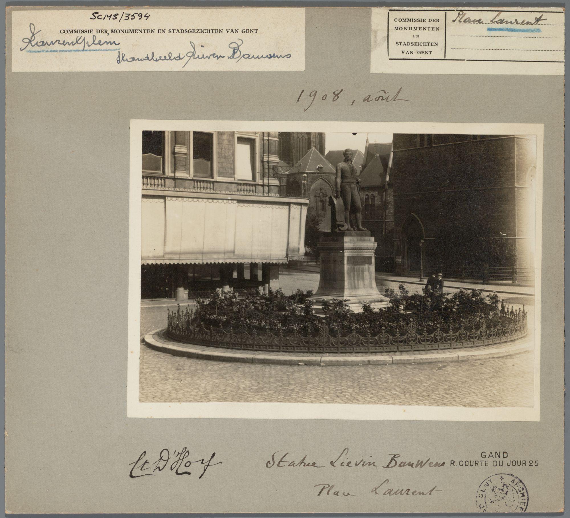 Gent: Standbeeld van Lieven Bauwens, Lieven Bauwensplein