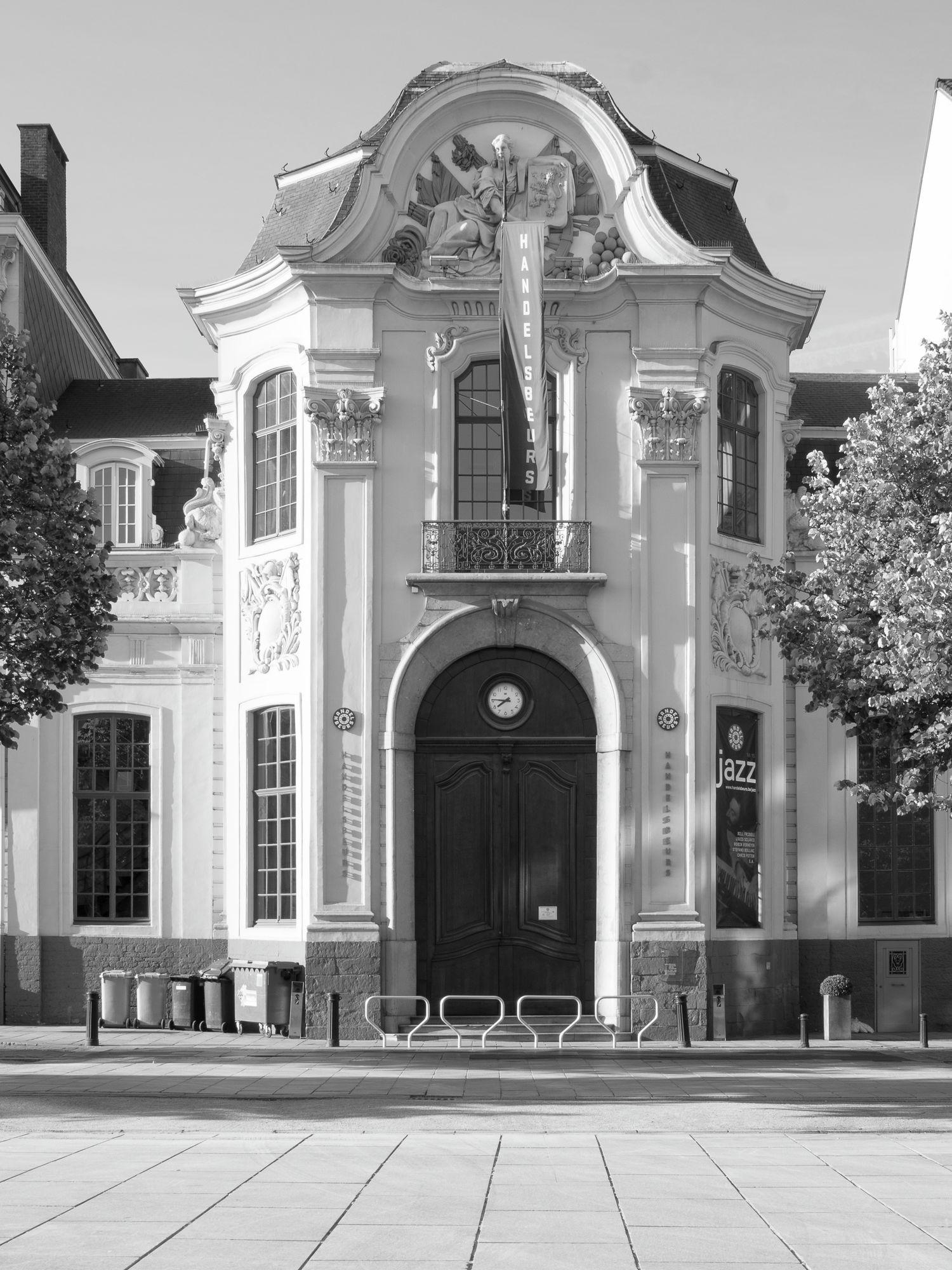 Gent: Kouter: Handelsbeurs: toegangspoort