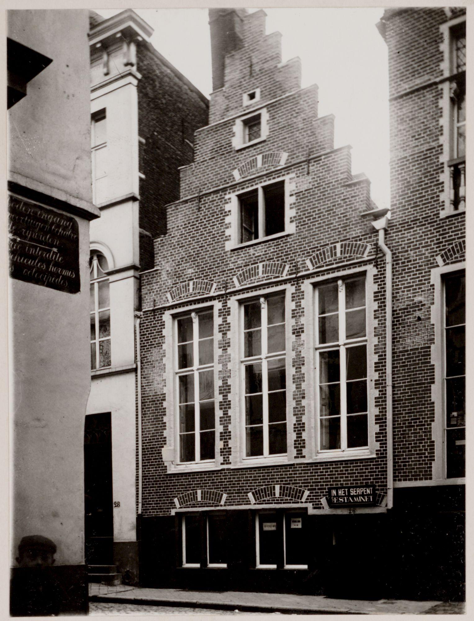 Gent: Estaminet In het Serpent, Onderstraat