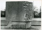 Gent: Verenigde Natieslaan: Gedenksteen, 1979