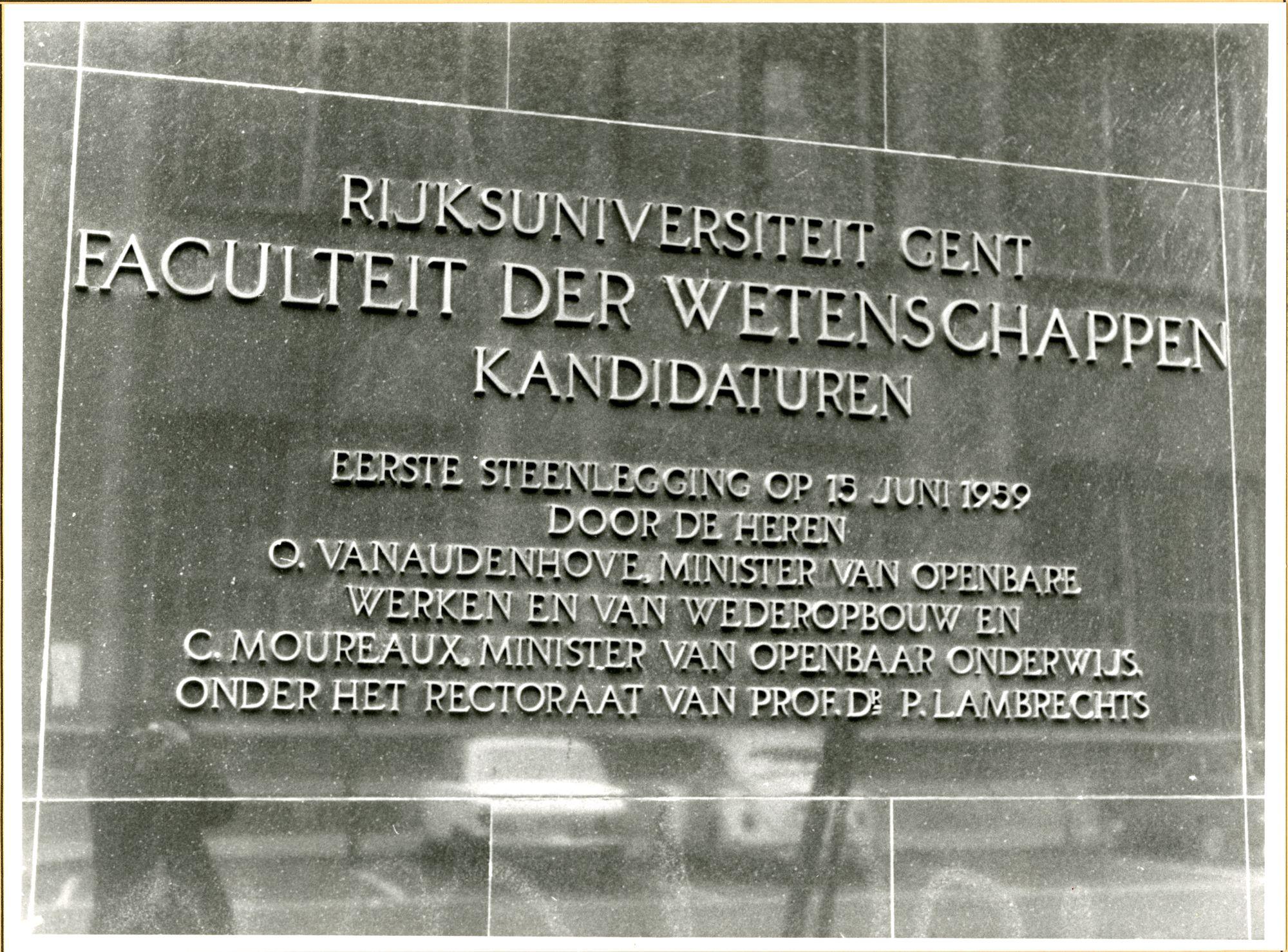 Gent: Karel Lodewijk Ledeganckstraat: Gedenksteen, 1979