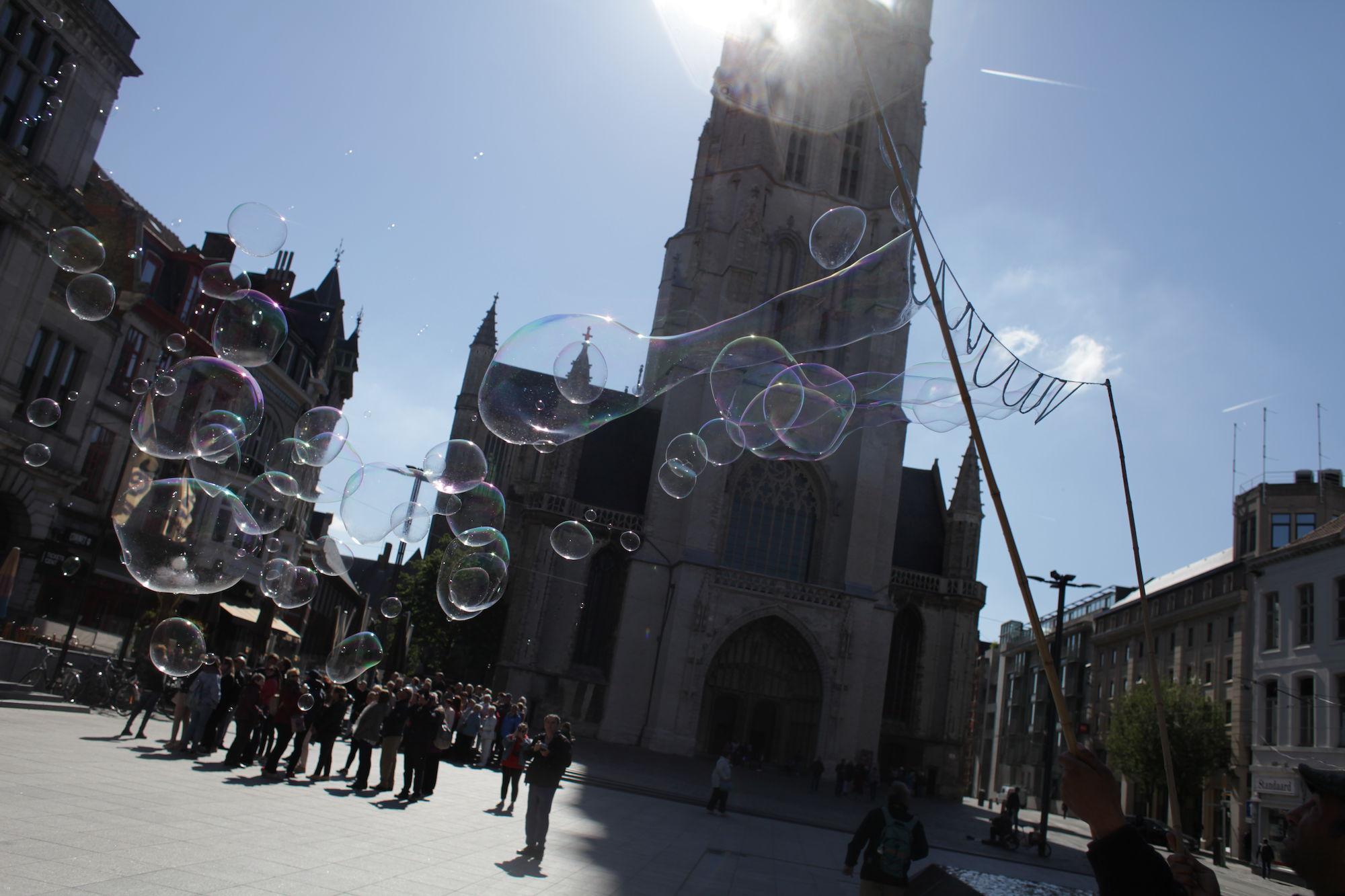 2019-05-14 Stad Gent_St Baafsplein Belfort Zeepbellen_IMG_9827.JPG