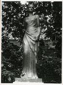 Gent: Ferdinand Lousbergskaai: Koningin Astridpark: standbeeld: Koningin Astrid, 1980